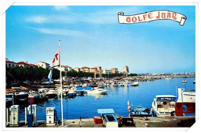 Le quai Saint Pierre avec l'ancienne station service bateaux