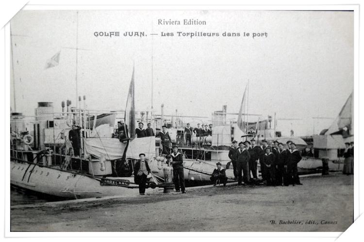 Les torpilleurs français à l'escale