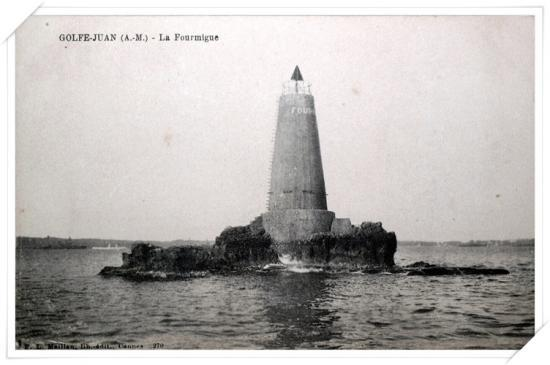La pierre fourmigue