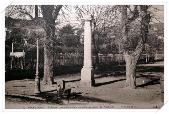 La colonne commémorative du débarquement de Napoléon 1er
