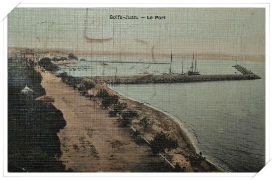 Rare, une vue colorisée prise depuis l'ancien phare. Il n'y a rien, sinon des palmiers, les autres arbres ont disparu