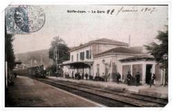 Carte faiblement colorisée, animée avec l'entrée du train en provenance de Cannes