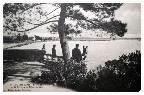 La plage vue depuis la terrasse de Bijou Plage