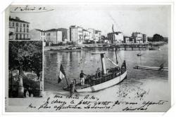 Très beau canot à vapeur avec les marins à la pose et la Colonne du Débarquement