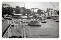 Vue sur le Port avec le plongeoir des Bains Plage