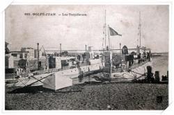 Gros plan sur les torpilleurs