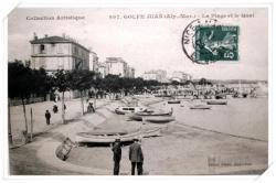Vue depuis le quai St Pierre sur le port et l'ancien bd maritime