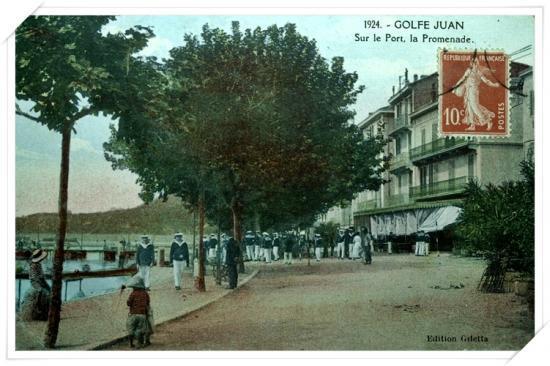 Le 1924 n'est pas la date mais la référence de cette carte colorisée du Boulevard ou Promenade
